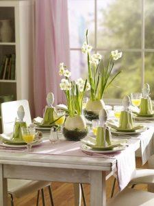 Table à déjeuner Pâques