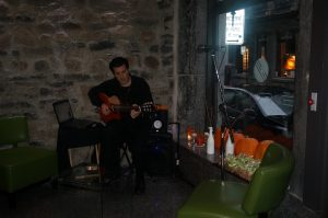 Photo 17 - Guitariste-soliste