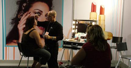 activite-maquillage-lise-watier-salon-cosmetiques-uniprix